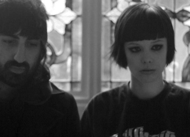 electric bloom (vs foals) crystal castles